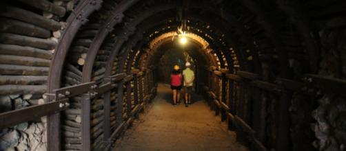 Visitantes en una de las minas.