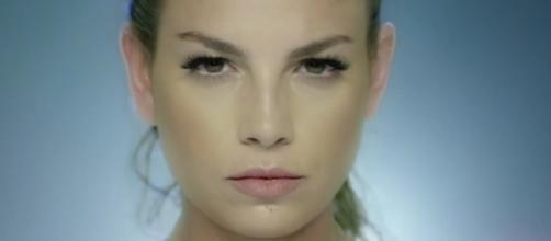 Gossip news sulla cantante Emma Marrone.