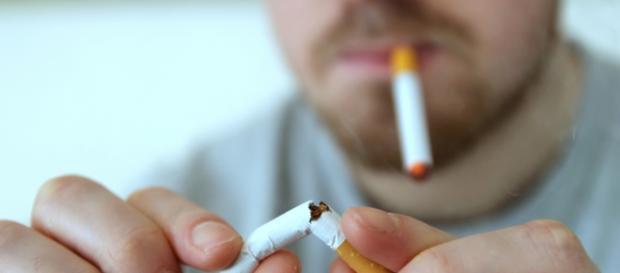 """Drängt Überregulierung """"Dampfer"""" zum Tabakkonsum?"""