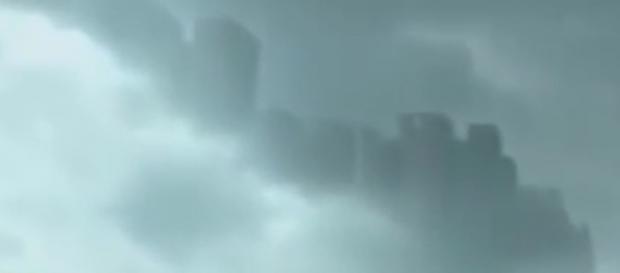 Fenômeno ocorreu no céu da China. YouTube