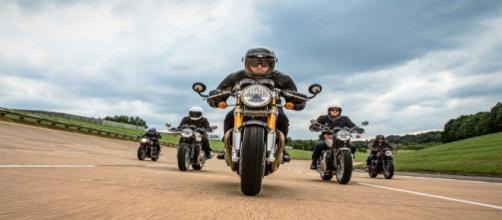 As novas motocicletas Triumph 2016.
