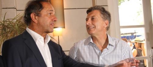 Scioli y Macri por la presidencia de Argentina
