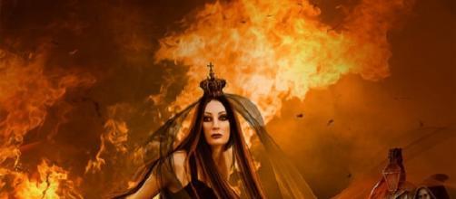 Trucco strega del fuoco per Halloween.