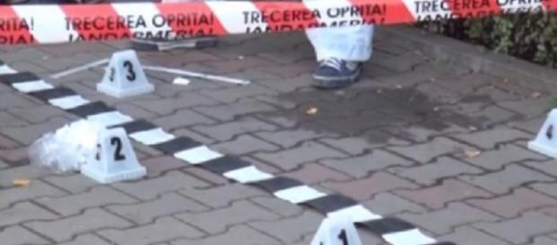 Femeie înjunghiată pe stradă la Vâlcea