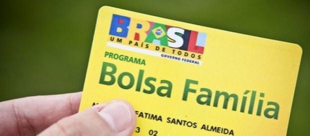 Dilma diz que não vai corta o bolsa família.