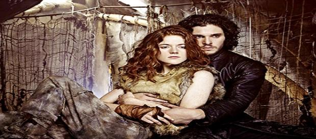 Kit Harington y Rose Leslie en 'Juego de Tronos'