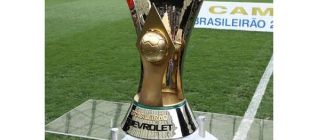 O troféu de Campeão Brasileiro 2015