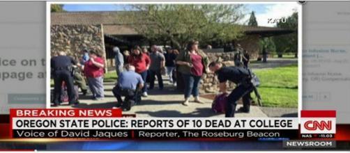 Sparatoria in Oregon, breaking news della CNN