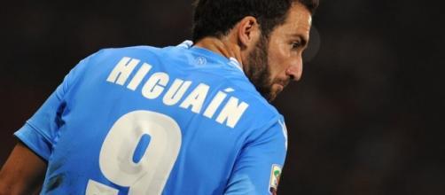 Gonzalo Higuain re del gol in campo