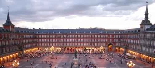 Plaza Mayor de Madrid. Disfruta de su encanto.