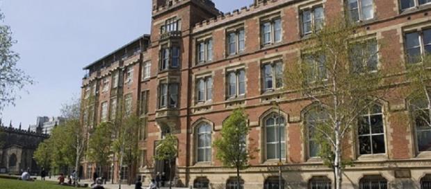 """A """"Grammar School"""" fica em Sevenoaks, Kent."""