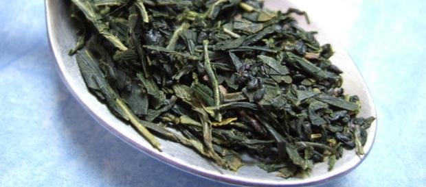 Propiedades y beneficios del consumo de té verde.