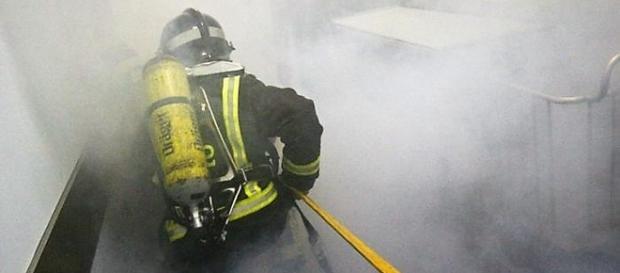Filho deparou-se com muito fumo ao abrir a porta