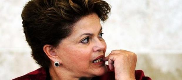 Dilma estaria apavora com abertura de impeachment