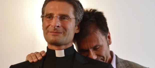 Krzysztof Charamsa e il suo fidanzato omosessuale
