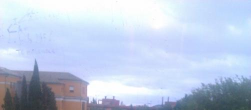 El cielo estará triste, pero un día estuvo alegre.