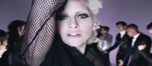 Lady Gaga nel video di Tom Ford