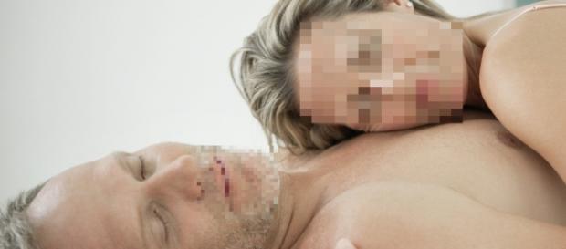 A murit in timp ce facea sex in padure
