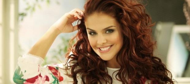 Paloma Bernardi desabafa sobre atuar na Record