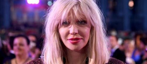 Courtney Love no desfile de Phillip Plein.