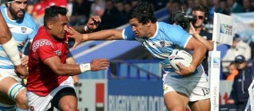El hand off de M. Moroni en un avance de Los Pumas