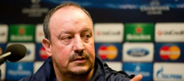 Benitez en una rueda de prensa