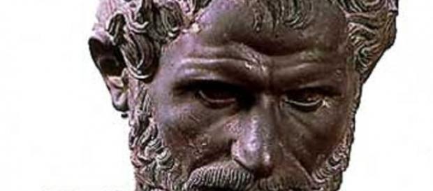 Busto del filósofo griego Aristóteles