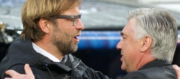 Ancelotti y Klopp se saludan antes de un partido