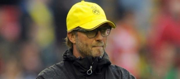 Klopp dirigiendo al Borussia Dortmund
