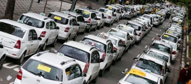 Protesto de taxistas contra aplicativo UBER