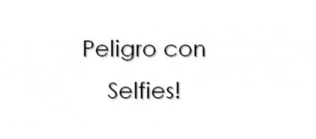 "Frase: ""Peligro con selfies!""."