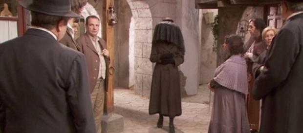 Jacinta torna a Puente Viejo con un velo