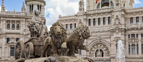 Fuente de Cibeles frente al ayuntamiento, Madrid