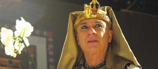 Faraó da Record reencarna em 'Além do Tempo'