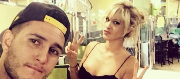 Ylenia posa junto a Omar Montes