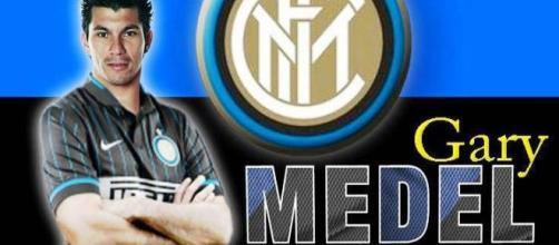 Gary Medel in rete contro la Roma