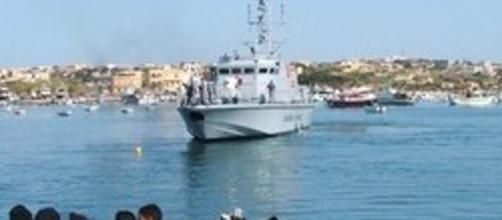 Migranti verso l'italia da Tripoli