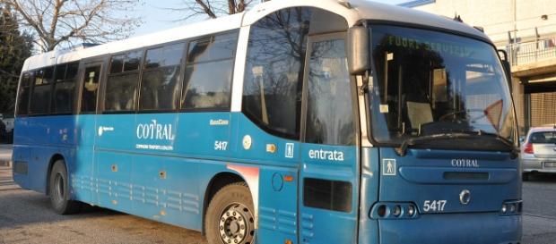 Autobus del Cotral fuori servizio