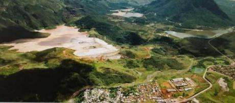 Vista da área atingida antes do rompimento.
