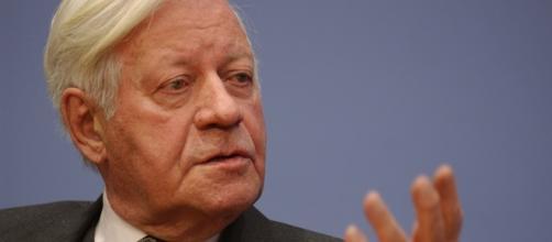 Si è spento l'ex cancelliere tedesco Schmidt