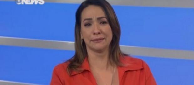Maria Beltrão chora por morte de Sandra Moreyra