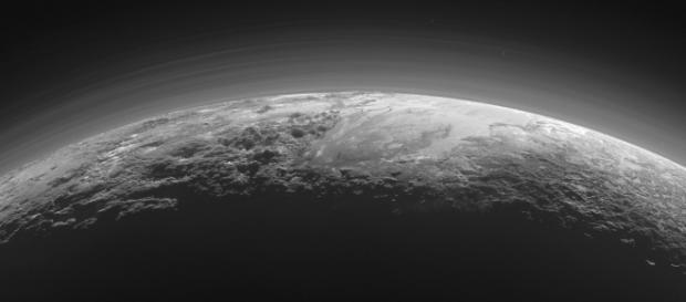 Plutão ainda apresenta geologia ativa.