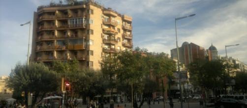 Banderas de Cataluña en los balcones