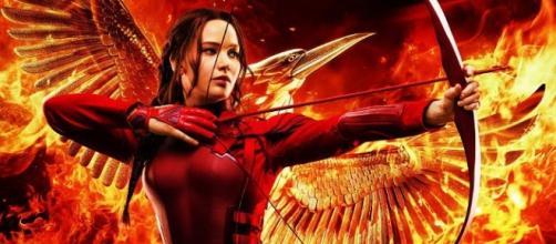 J-Law dá vida a Katniss Everdeen uma última vez.