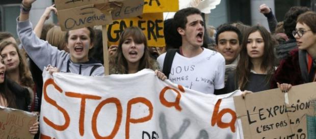 Manifestações a favor dos imigrantes já começaram.