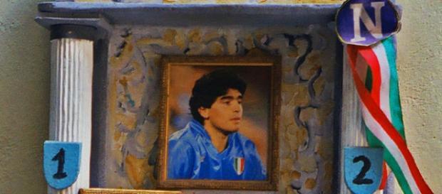 Monumento a Diego Armando Maradona en Napoli.