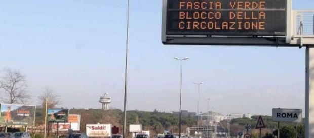 Orari blocco traffico a Roma domenica 15 novembre