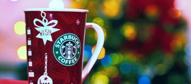 Un bicchiere di Natale di Starbucks