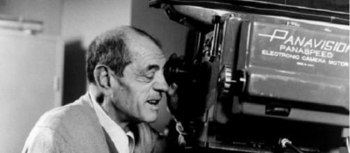 El cineasta Luis Buñuel (1900-1983).