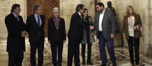 Las Fiscalía toma cartas en el asunto catalán